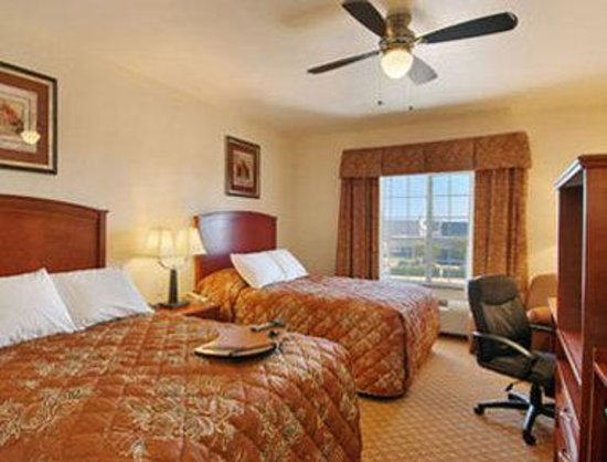 Super 8 Austin/Airport South: Standard Two Double Bed Room