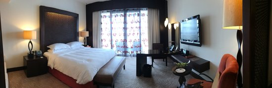 Address Downtown: Bedroom on 9th floor
