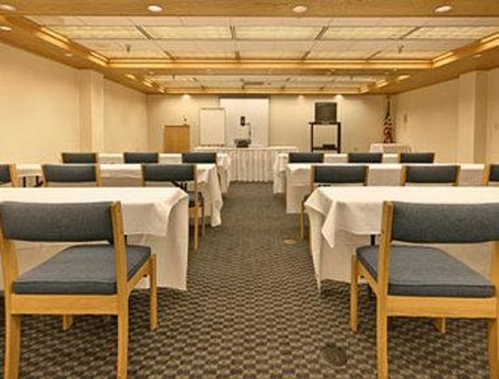 Super 8 State College: Laurel Meeting Room