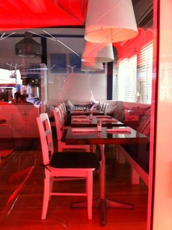 Patio American Grill : Looking inside