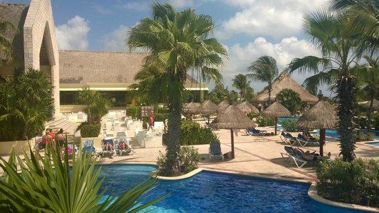 Luxury Bahia Principe Akumal : Piscine