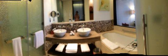 The Address Downtown Dubai - TEMPORARILY CLOSED: The bathroom