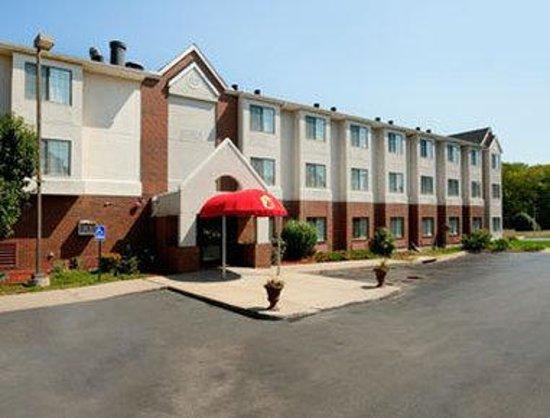 Super 8 Overland Park KC Area Near Convention Center: Welcome to the Super 8 Overland Park KC Area
