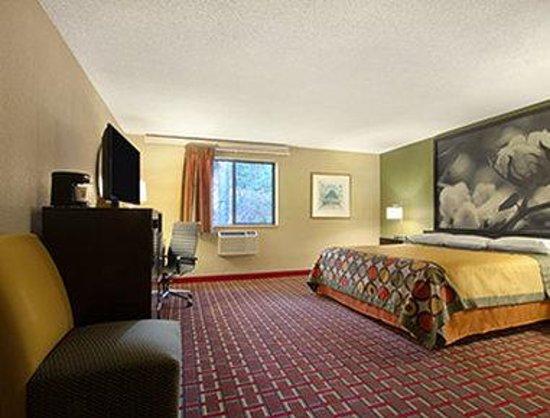 Super 8 Homewood Birmingham Area: Suite with Microwave and Fridge