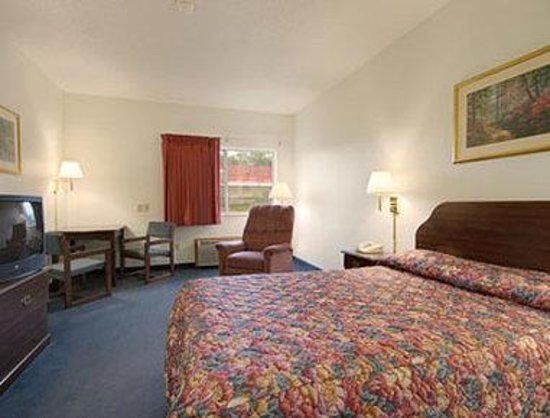 Super 8 Cresco IA: Standard Double Bed Room