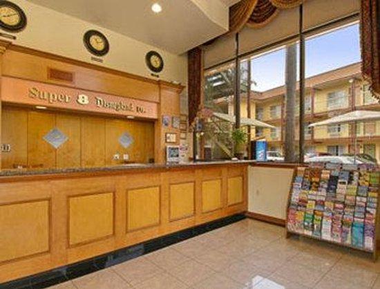 Super 8 Anaheim/Disneyland Drive: Lobby