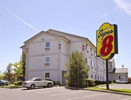 Super 8 Redmond: Welcome to the Super 8, Redmond