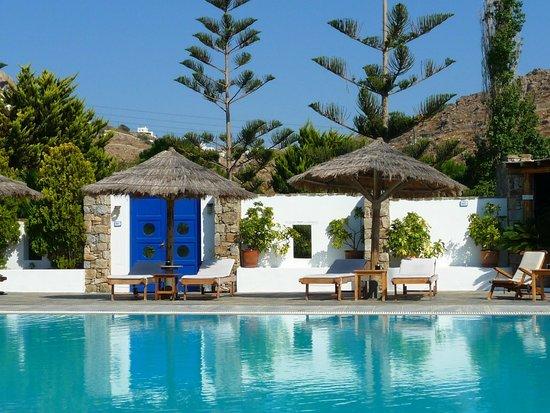 Hotel Kamari : at the pool