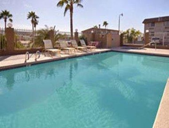 Super 8 Mesa/Phoenix Power and Main: Pool