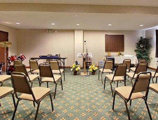 Super 8 Indianapolis/NE/Castleton Area: Meeting Room