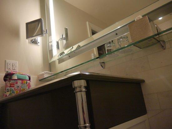 Fairmont Le Chateau Frontenac: Bathroom