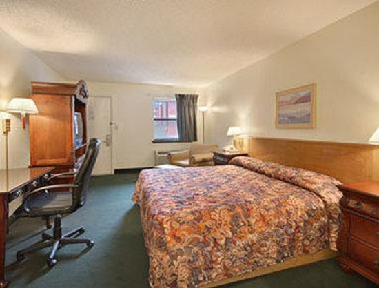 Super 8 Malvern: Standard King Bed Room