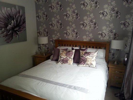 Corner Oak Bed & Breakfast: Second bedroom, just decorated.