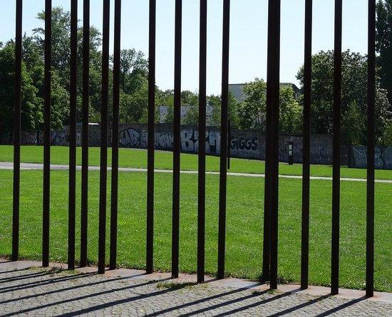 Original Berlin Walks: Former Wall at Bernauer Strasse