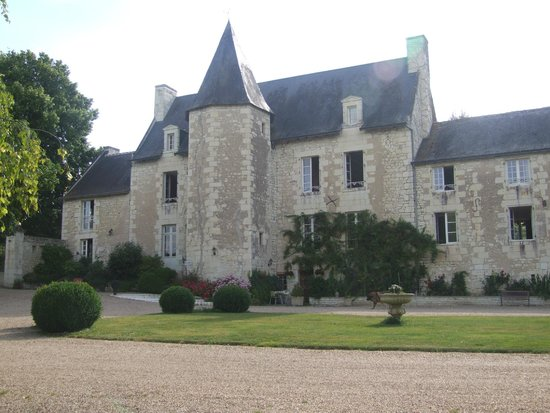 Au Prince Grenouille : front of house and staircase tower