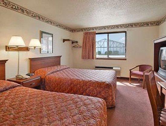 Super 8 Bemidji MN: Standard Two Double Bed Room