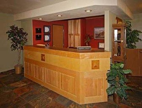 Super 8 West Yellowstone : Reception Area