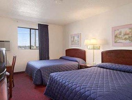 Super 8 Great Falls Mt: Standard Two Double Bed Room