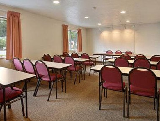 Super 8 Lacey Olympia Area: Meeting Room