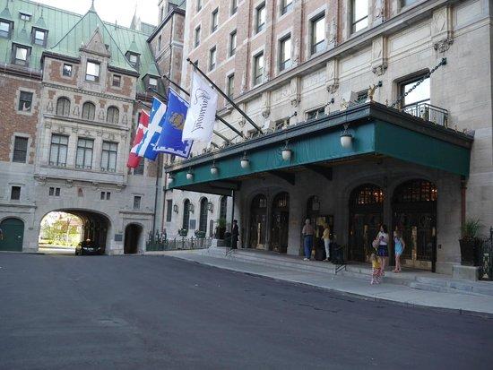 Fairmont Le Chateau Frontenac : Main hotel entrance
