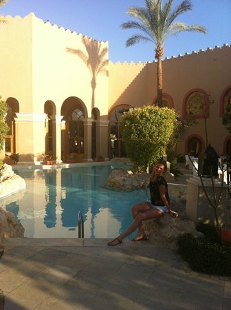 Ghazala Gardens Hotel: Close to bars