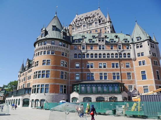 Fairmont Le Chateau Frontenac : Exterior of hotel with consruction in foreground