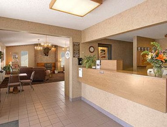 Super 8 Missoula/Brooks Street: Lobby