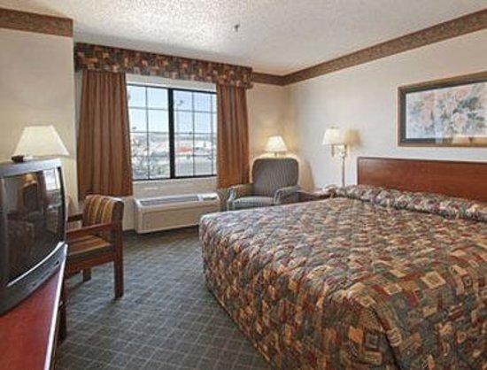 Super 8 Fort Worth North: Standard King Bed Room
