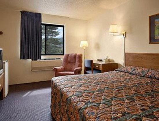 Motel 6 Montoursville, PA: Standard King Bed Room