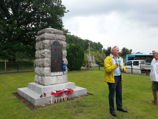 Great War Battlefields Tour: Guide explains the situation in English