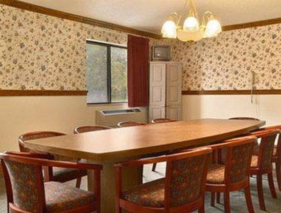 Super 8 Auburn: Meeting Room