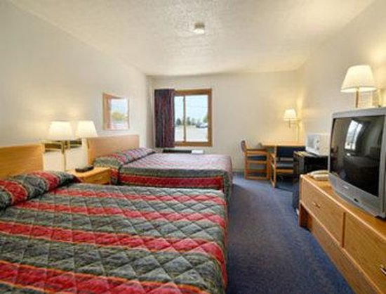 Super 8 St. Cloud: Standard Two Double Bed Room