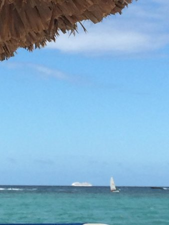 Luxury Bahia Principe Ambar Blue Don Pablo Collection : Cruise ship passing by