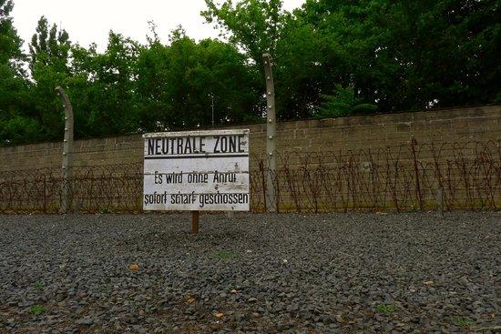 Mosaic Non-Profit Sachsenhausen Memorial Tours: Neutral zone warning - in German whether you spoke it or not