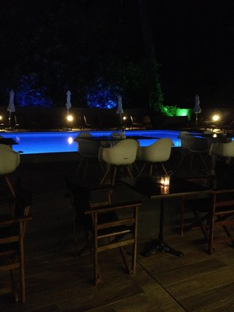 Amphitryon Boutique Hotel : Pool at night