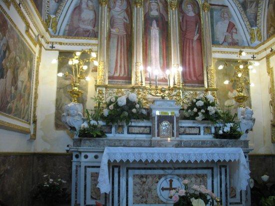 Santuario di Santa Maria a Parete (Regina delle Vittorie)