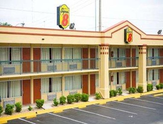 Super 8 Jacksonville Downtown Area: Welcome to the Super 8 Jacksonville