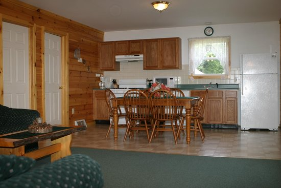 Country Cottages and Motel : 3 Bedroom Cottage