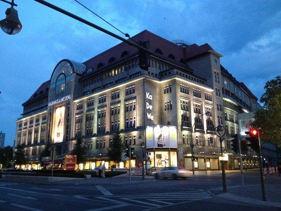 Kaufhaus des Westens (KaDeWe): Ka de we i love U