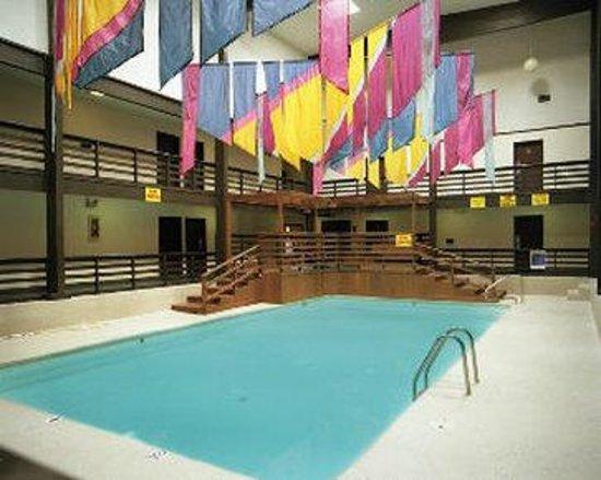 Super 8 Motel - Grand Island