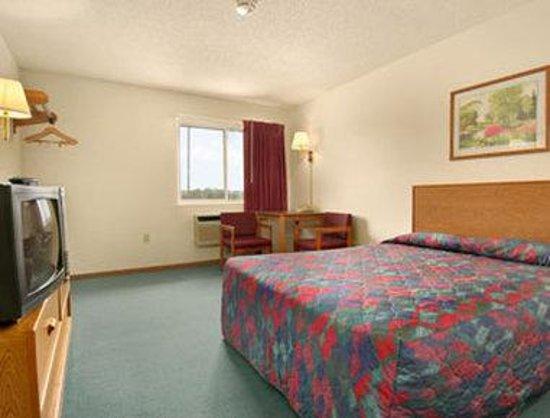 Saint Paul Inn: Standard Queen Bed Room