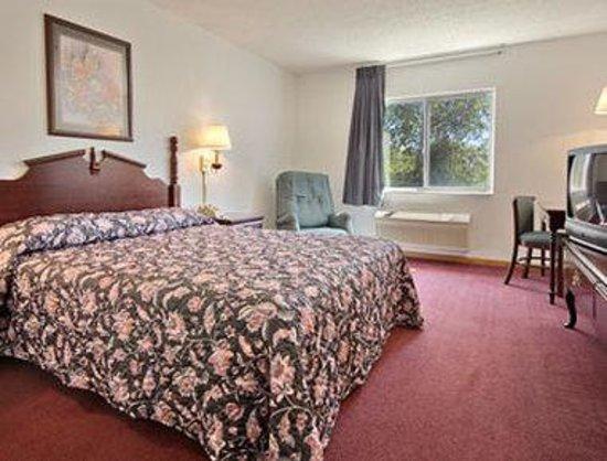 Super 8 Mchenry : Standard Queen Bed Room