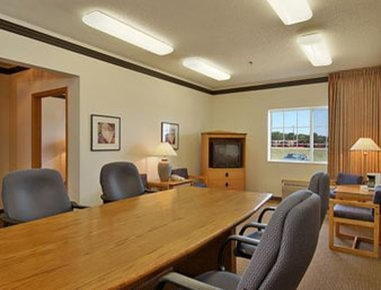 Super 8 Clarinda: Boardroom Suite