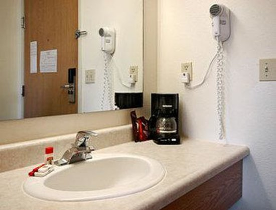 Super 8 McCall : Bathroom