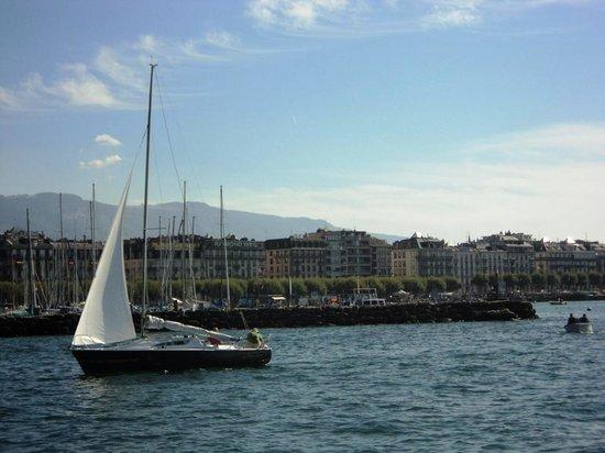 Jet d'Eau : Passeios de barco no Lago