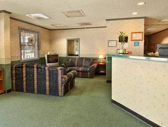 Super 8 Harrington : Lobby