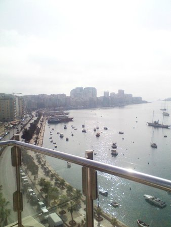 115 The Strand Hotel and Suites: Vista dalla terrazza del ristorante