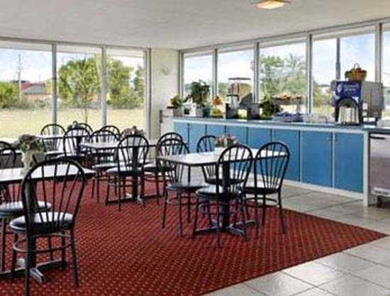 Super 8 Ocala: Breakfast Area