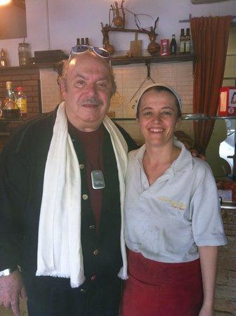 La Focaccia: Mitico Lino Banfi. Davvero un grande uomo. Ti stimo.