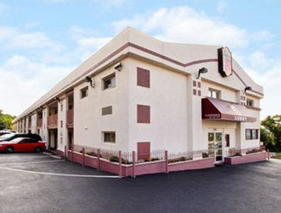Super 8 North Bergen NJ/NYC Area : Welcome To Super 8 North Bergen NJ NYC A